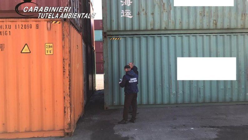 Salerno, sequestrati 28 container di rifiuti al porto