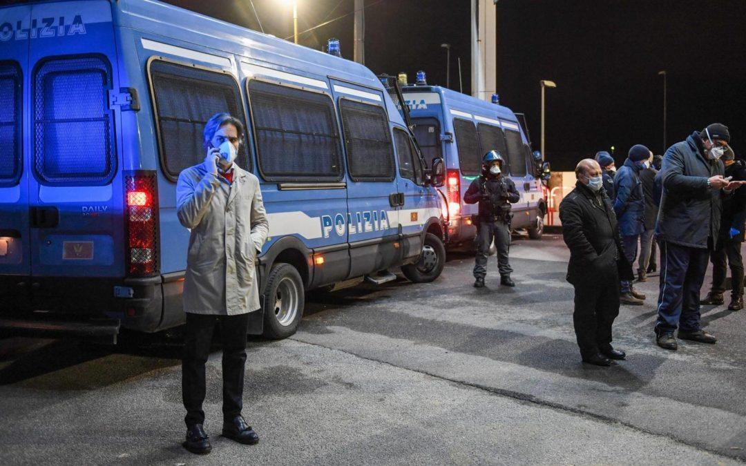 Coronavirus, siciliani imbarcati a Reggio Calabria con la scorta della polizia
