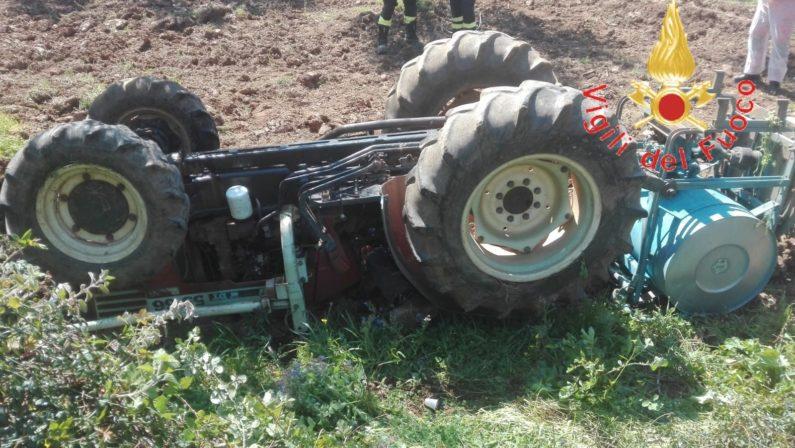 Lamezia Terme, tragedia nelle campagne in periferia: 40enne muore schiacciato sotto un trattore