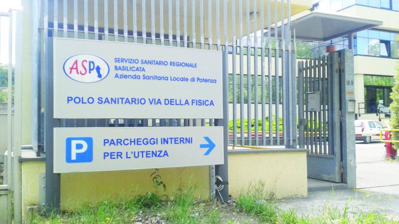 Coronavirus, il dg Esposito spegne le polemiche per lo stop a ricoveri e visite specialistiche: «Qui non si regge come a Milano»
