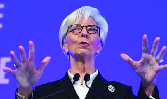 La Bce smentisce Lagarde e fa il suo lavoro: maxi acquisti di titoli per contenere lo spread