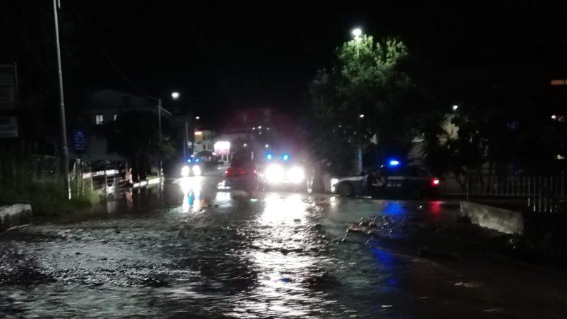Maltempo nel Vibonese, una bomba d'acqua investe vari comuni: allagamenti in più punti - VIDEO