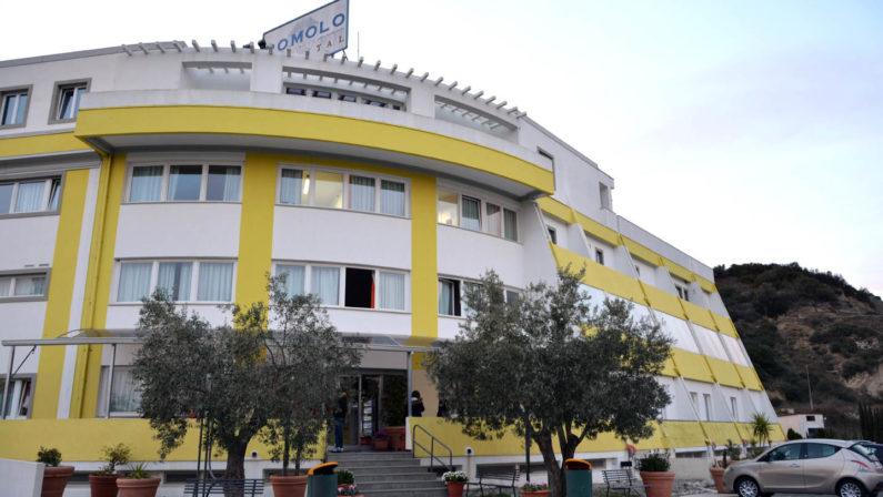 Crotone, positiva amministratrice clinica Romolo Hospital, sospese le attività di cura e assistenza