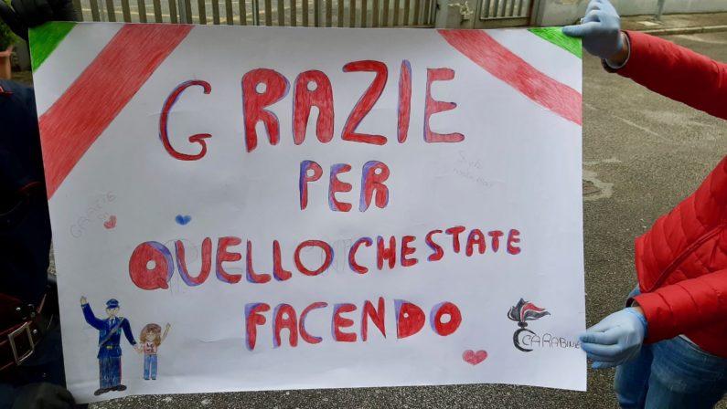 Villaricca: Gesto di solidarietà nei confronti dell'Arma. Bambina dona un disegno ai carabinieri