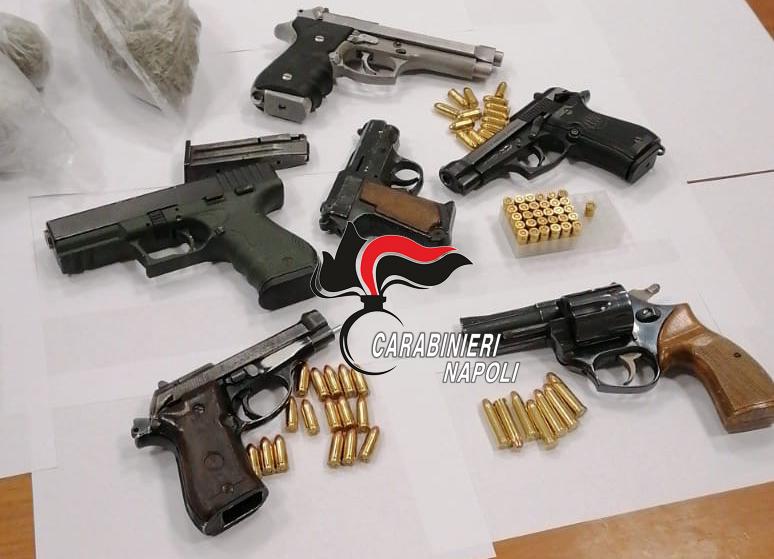 Avvocata: Armi e droga in uno scantinato, la chiave nel suo portafogli. 36enne arrestato