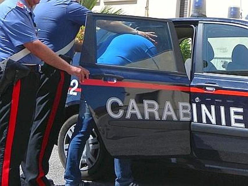 Un 63enne accoltella il vicino nel Cosentino, litigavano da giorni per dei rumori