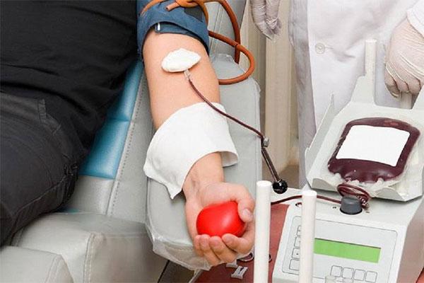 Coronavirus, la ricerca su plasma e anticorpi monoclonali per salvare le vite