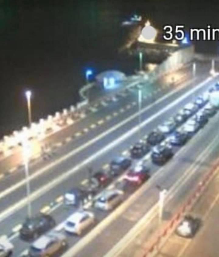 Il presidente della Regione Sicilia: «Gli sbarchi? La gente non deve neppure arrivare in Calabria»