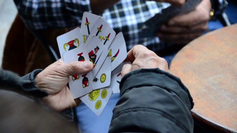 Coronavirus e sicurezza, molte denunce in Calabria: dal gruppo che giocava a carte ai furti nel negozio dei cinesi