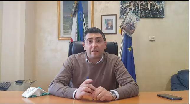 Un caso positivo al coronavirus a Rosarno e cinque sospetti: annuncio in un video del sindaco Idà
