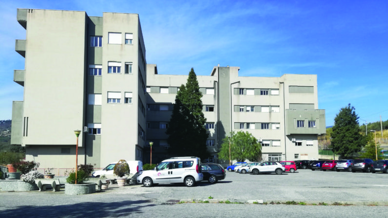 Coronavirus, mancano i posti letto ma restano le strutture fantasma: il caso dell'ospedale di Mesoraca