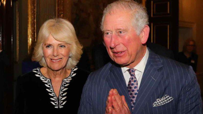 Coronavirus, anche il principe Carlo è risultato positivo in Gran Bretagna