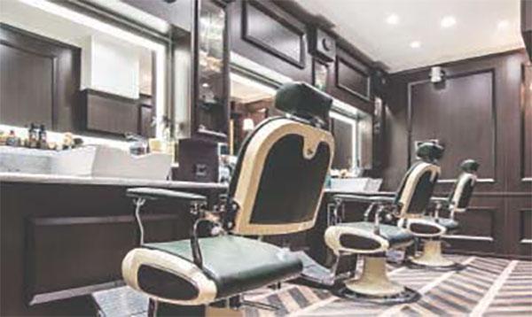 Stop a parrucchieri e centri estetici - De Luca: pronti per tremila contagiati