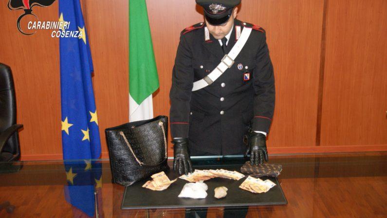 Cosenza, arresti domiciliari per una 36enne trovata in possesso di 166 grammi di cocaina