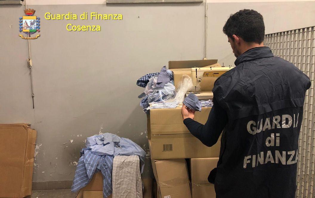 Coronavirus: a Cosenza sequestro mascherine vendute con rincari del 3000%, tre denunce