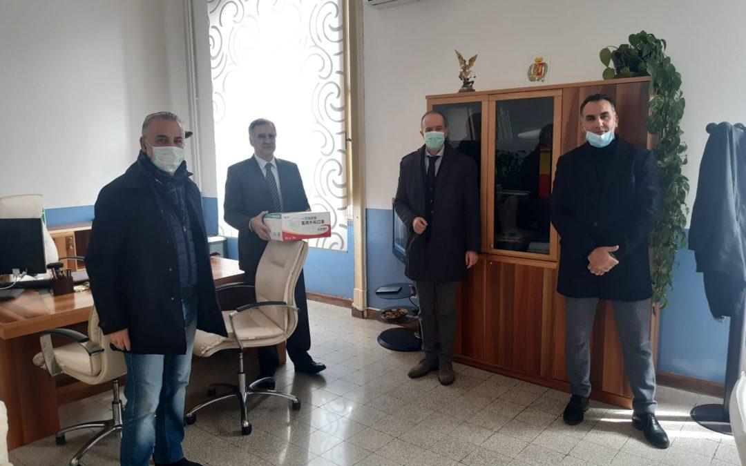 Coronavirus, sindacati di polizia consegnano 150 mascherine al questore di Catanzaro