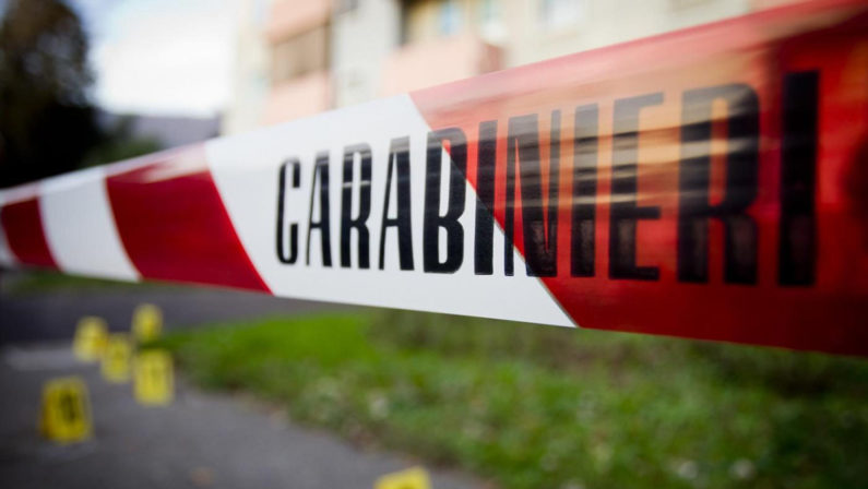 Agguato nel Cosentino a colpi di Kalashnikov: un morto e un ferito grave