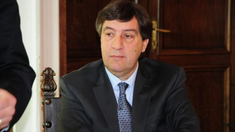 Ingerenze politiche nei tamponi di Torano, Zuccatelli denuncia: «Claudio Parente era nel laboratorio»