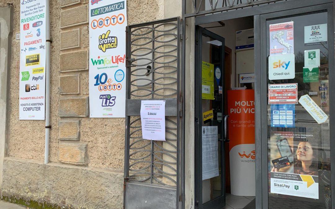 Caso Feltri, il sindaco di Nicotera querela il giornalista mentre le edicole si rifiutano di vendere Libero