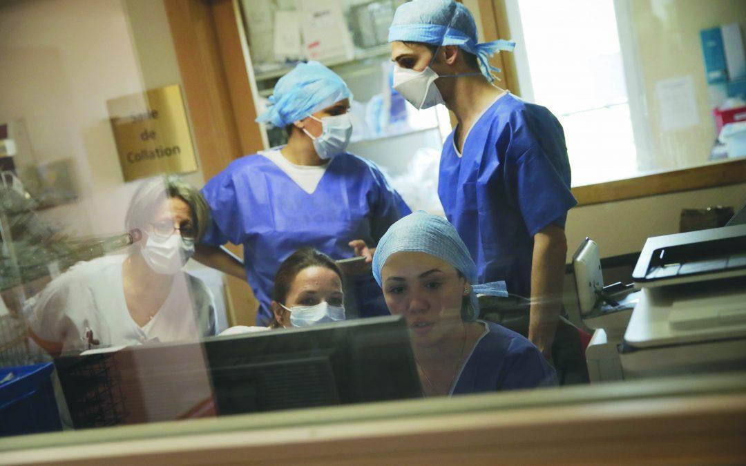 Sedici casi di coronavirus in un centro a Rende. Ragazze tornate dalla Sardegna: sette persone contagiate