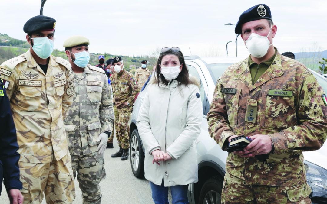 L'assessore Donatella Merra con i tecnici durante il sopralluogo a Potenza (foto A. Mattiacci)