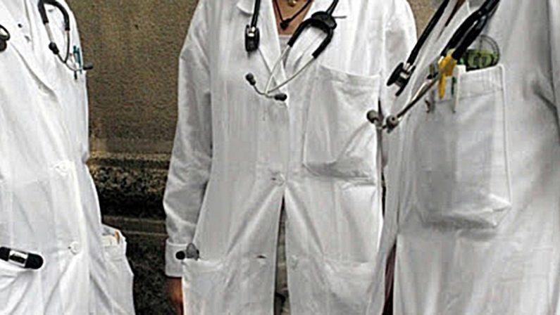 Il Sindacato Medici Italiani bacchetta Santelli: «L'ordinanza rischia di vanificare ogni sforzo»