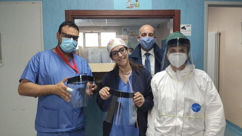Mascherine, caschi e tanto altro donato all'ospedale di Vibo i ringraziamenti dei medici
