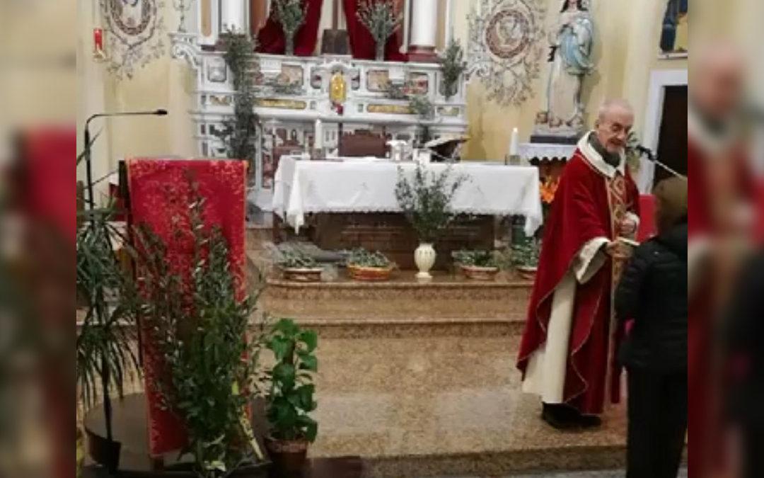 Partecipano alla messa malgrado i divieti, il comune di Filadelfia nel Vibonese fa scattare la denuncia per tutti