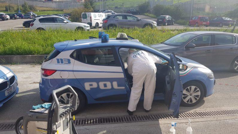 Sanificate oltre cento autovetture della Polizia: «Affrontiamo tutti insieme questa emergenza»