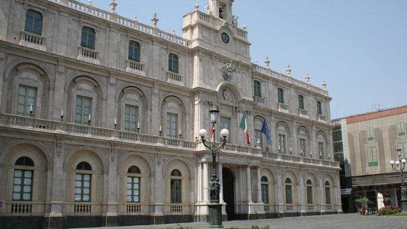 Densità di popolazione, umidità e polveri sottili favoriscono il virus, la ricerca dell'università di Catania