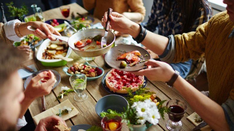 Cena tra amici con musica ad alto volume, sei persone sanzionate in provincia di Avellino