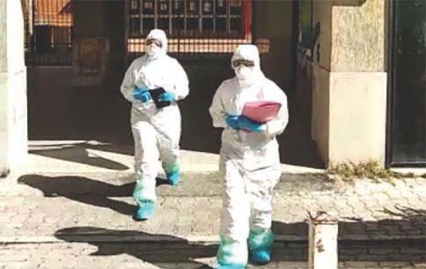 Coronavirus, tamponi per i contagi nella palestra di Catanzaro. A Borgia slitta l'inizio della scuola