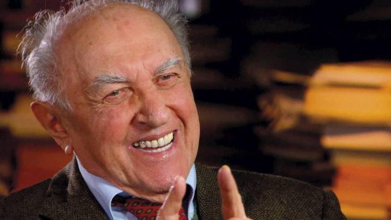 Intervista a Franco Ferrarotti: «Esiste un garante della privacy ma non esiste più la privacy»