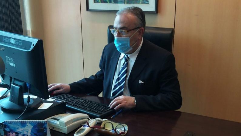 Coronavirus, il commissario dell'Asp di Crotone in ufficio dopo la malattia: «La mia fortuna? Il tampone fatto in pieno benessere»