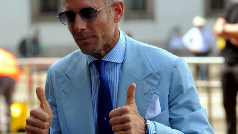 Coronavirus, Lapo Elkann annuncia l'invio di mascherine in Calabria: «Solo uniti si vince»