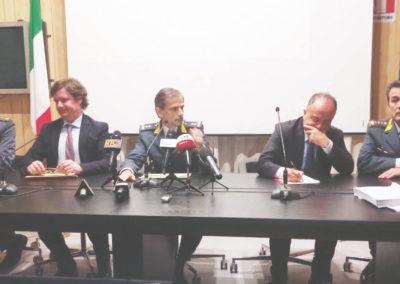 """Gli inquirenti che hanno illustrato l'esito dell'operazione """"Malapianta"""" contro il clan Mannolo"""
