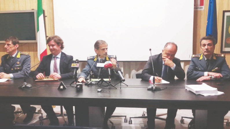 'Ndrangheta, il pentito Mannolo e il mistero del Rolex