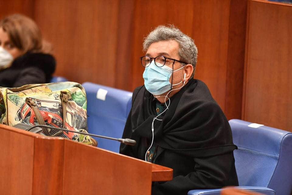 Il vicepresidente di Regione Nino Spirlì: «Mia fede dà fastidio, i figli di Satana schiumano odio e rabbia»