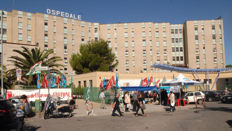 Coronavirus: caso positivo nell'ospedale di Crotone, reparto chiuso