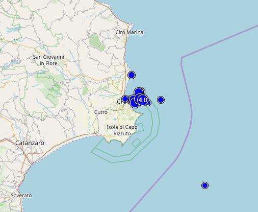 Non si placa lo sciame sismico nel mare di Crotone, apprensione tra la gente