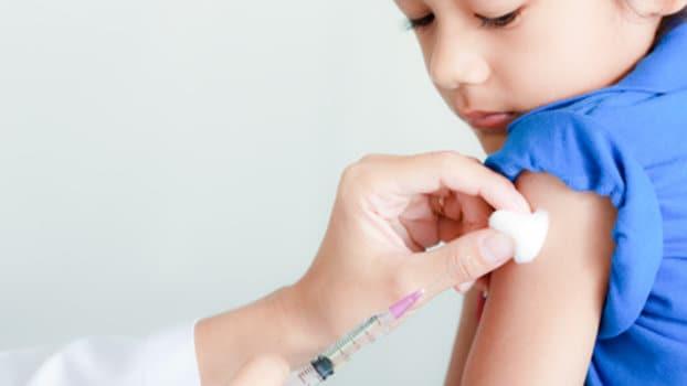 Vaccinazioni, a Catanzaro non si riparte (o forse sì). Annunci ma i bimbi restano senza protezione
