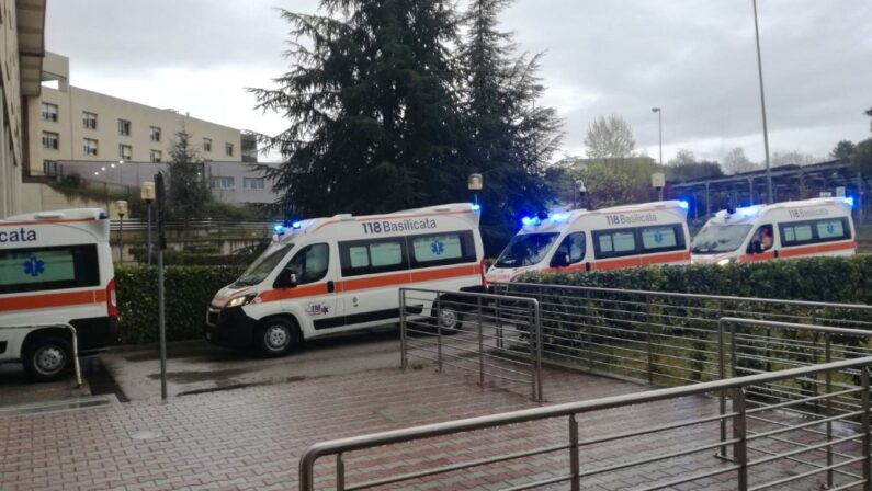 Coronavirus, trasferiti all'ospedale militare di Roma 11 migranti ospitati a Potenza