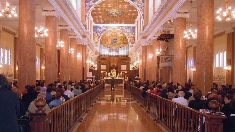 Coronavirus, il vescovo di Mileto: «Sospese a tempo indeterminato le feste religiose»