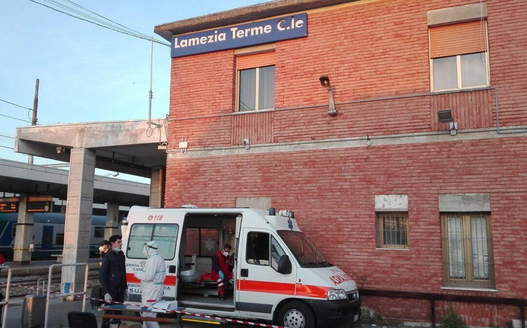 I controlli sul coronavirus alla stazione ferroviaria di Lamezia Terme