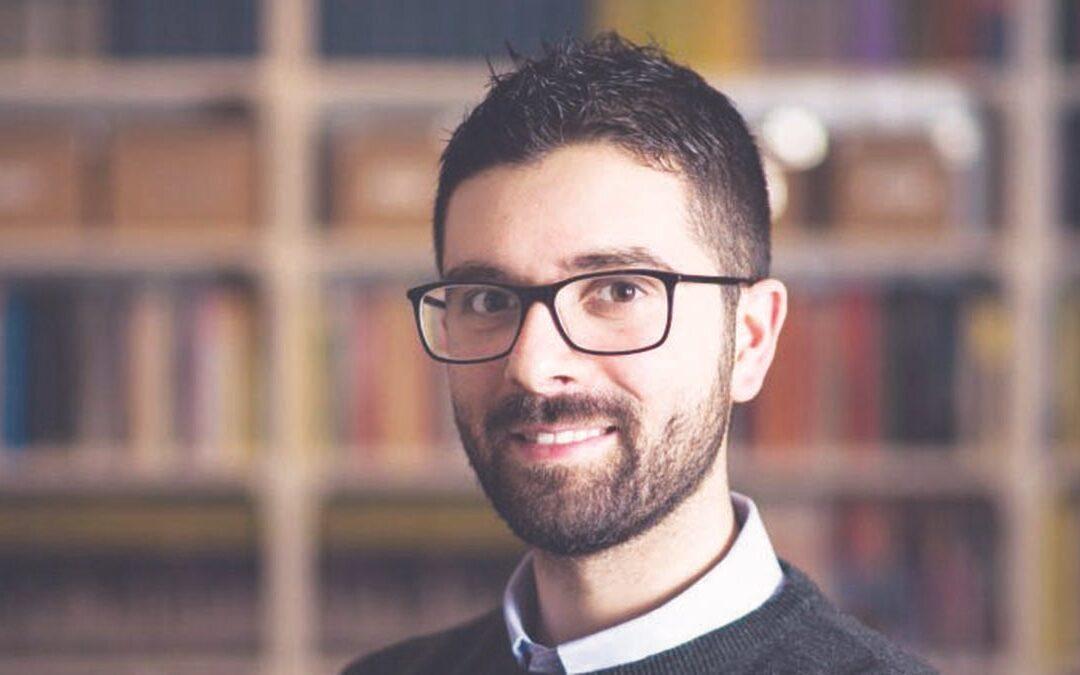 Non esistono solo fashion influencer: Davide Marciano, col sito Affarimiei.biz è una webstar che parla di finanza