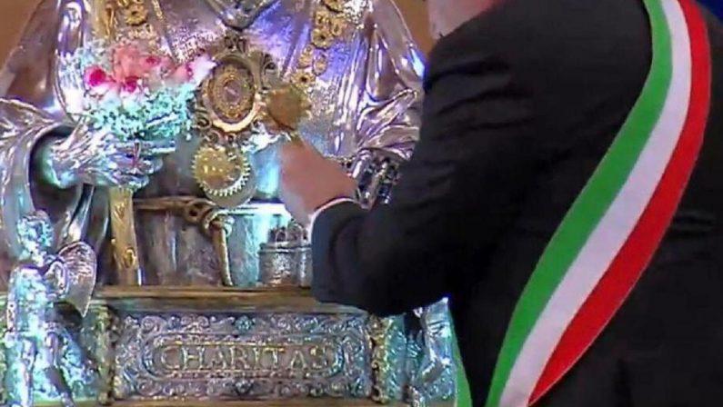 Festa di San Francesco di Paola, monsignor Morosini ai politici: «Uccidete il virus della burocrazia»