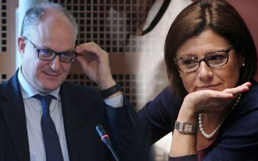 I ministri Roberto Gualtieri e Paola De Micheli