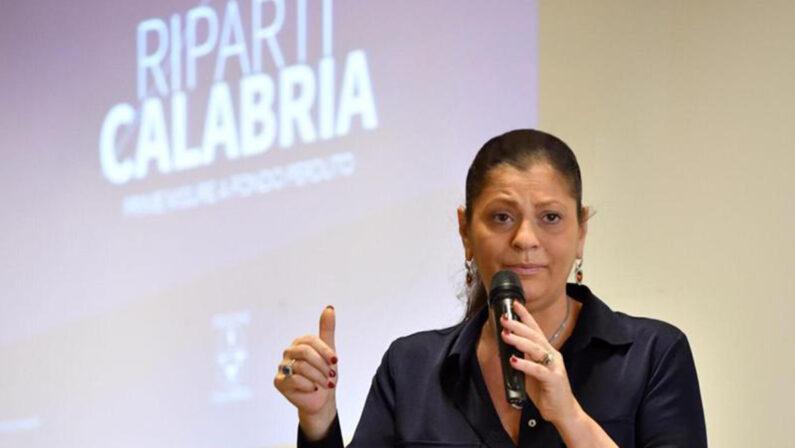 Lo sfogo della sorella di Rino Gaetano: «Non ho mai autorizzato la Santelli a usare la voce di mio fratello»
