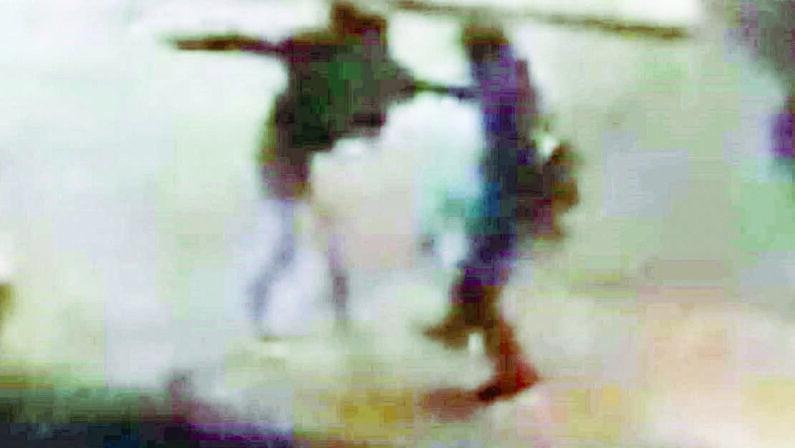 Matera, donna picchiata in pieno centro dal compagno. Il pestaggio ripreso con un cellulare