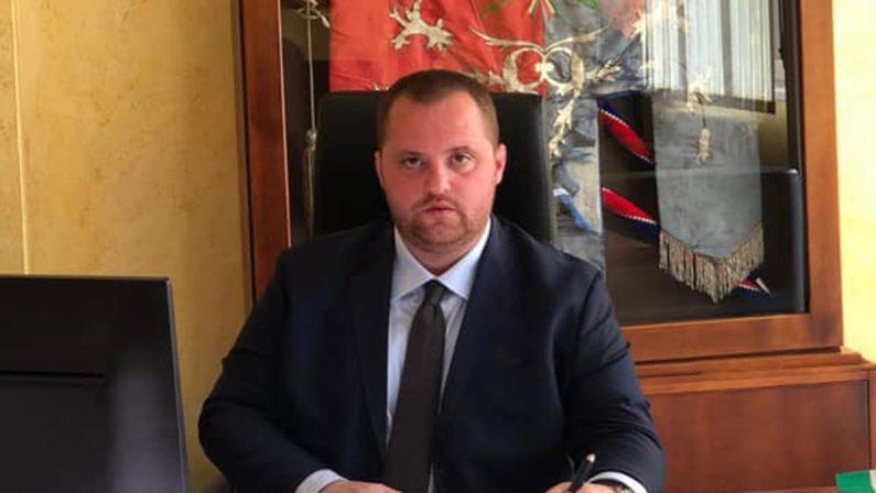 Coronavirus, il sindaco di Dasà al fianco dei parrucchieri: «Settore ormai in ginocchio»